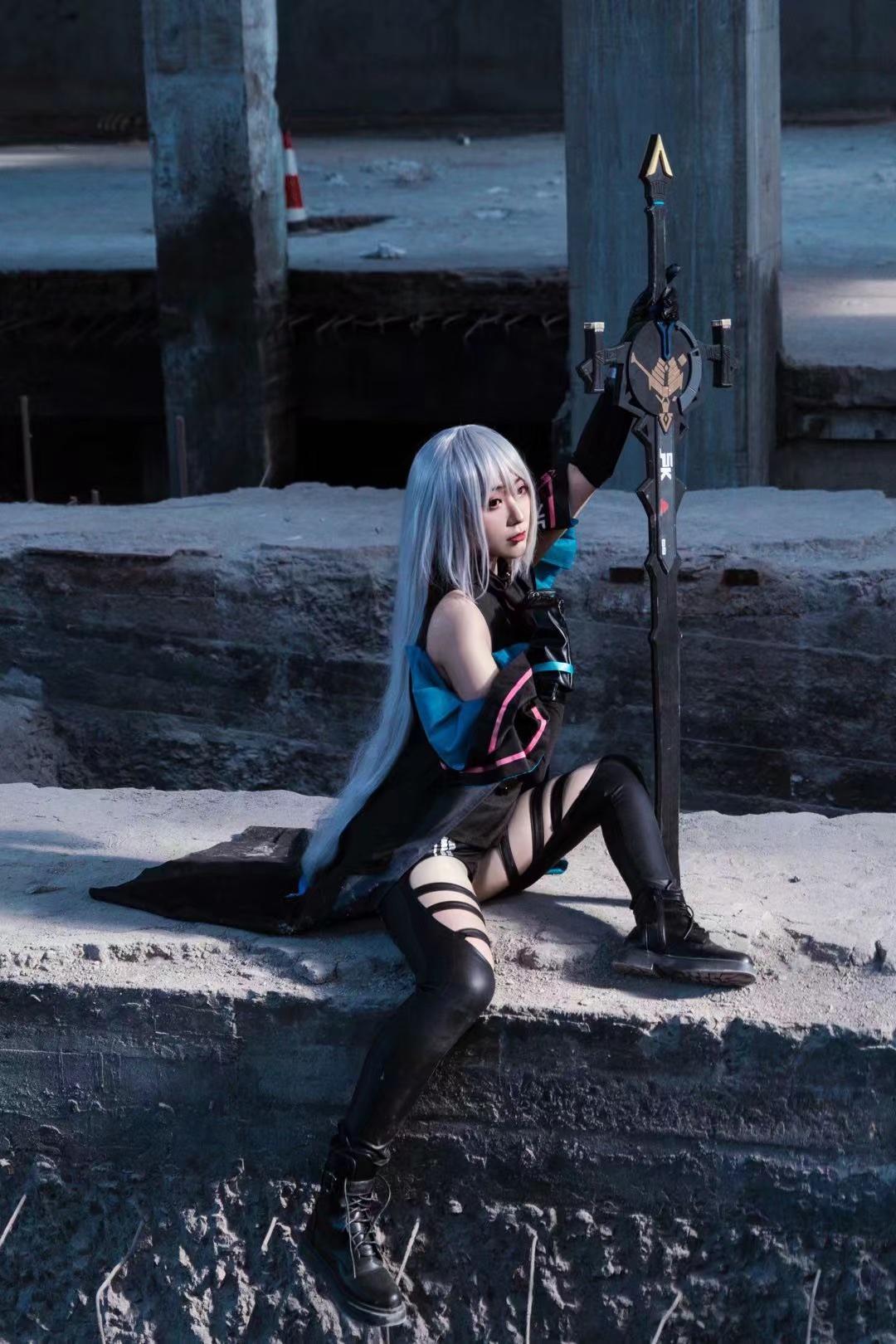 《明日方舟》游戏cosplay【CN:四份怪兽肉搓一个肉丸子】-第3张