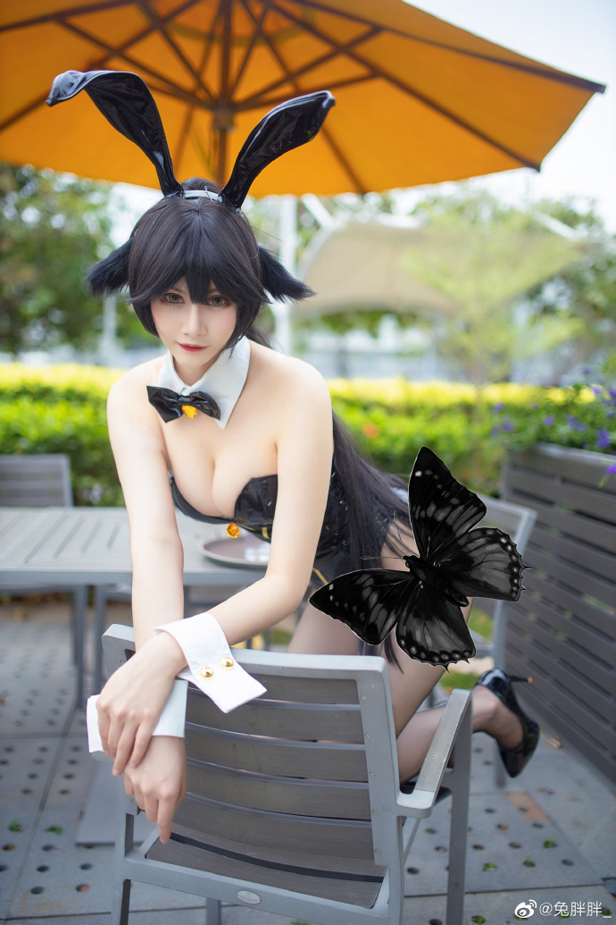 [COS]碧蓝航线   高雄獒  兔女郎    @兔胖胖_   (摄影:@QKing丶_夜露) (8P) -真人劳拉cosplay图片插图