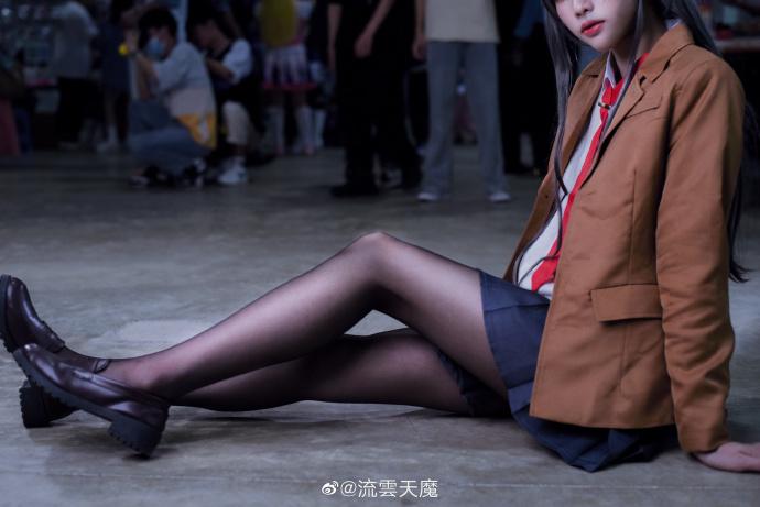 青春猪头少年不会梦到兔女郎学姊   CN:水黎   樱岛麻衣   (摄影:@流云天魔) (9P)-第7张