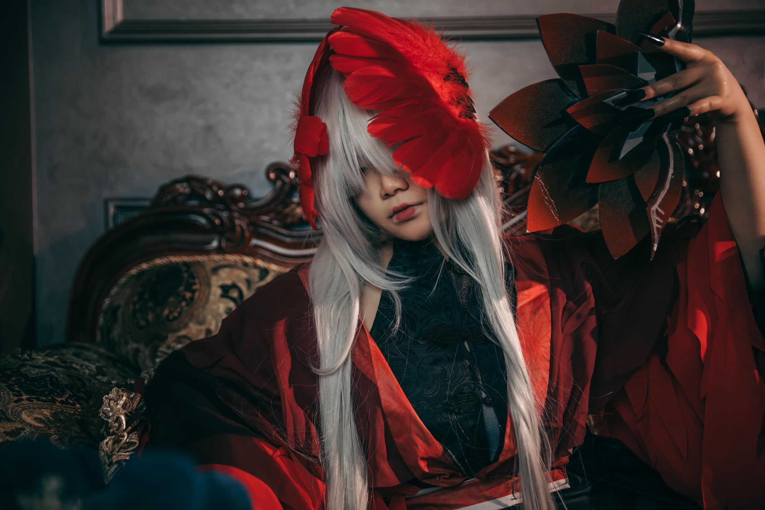《第五人格》 -女圣职者cosplay图片插图