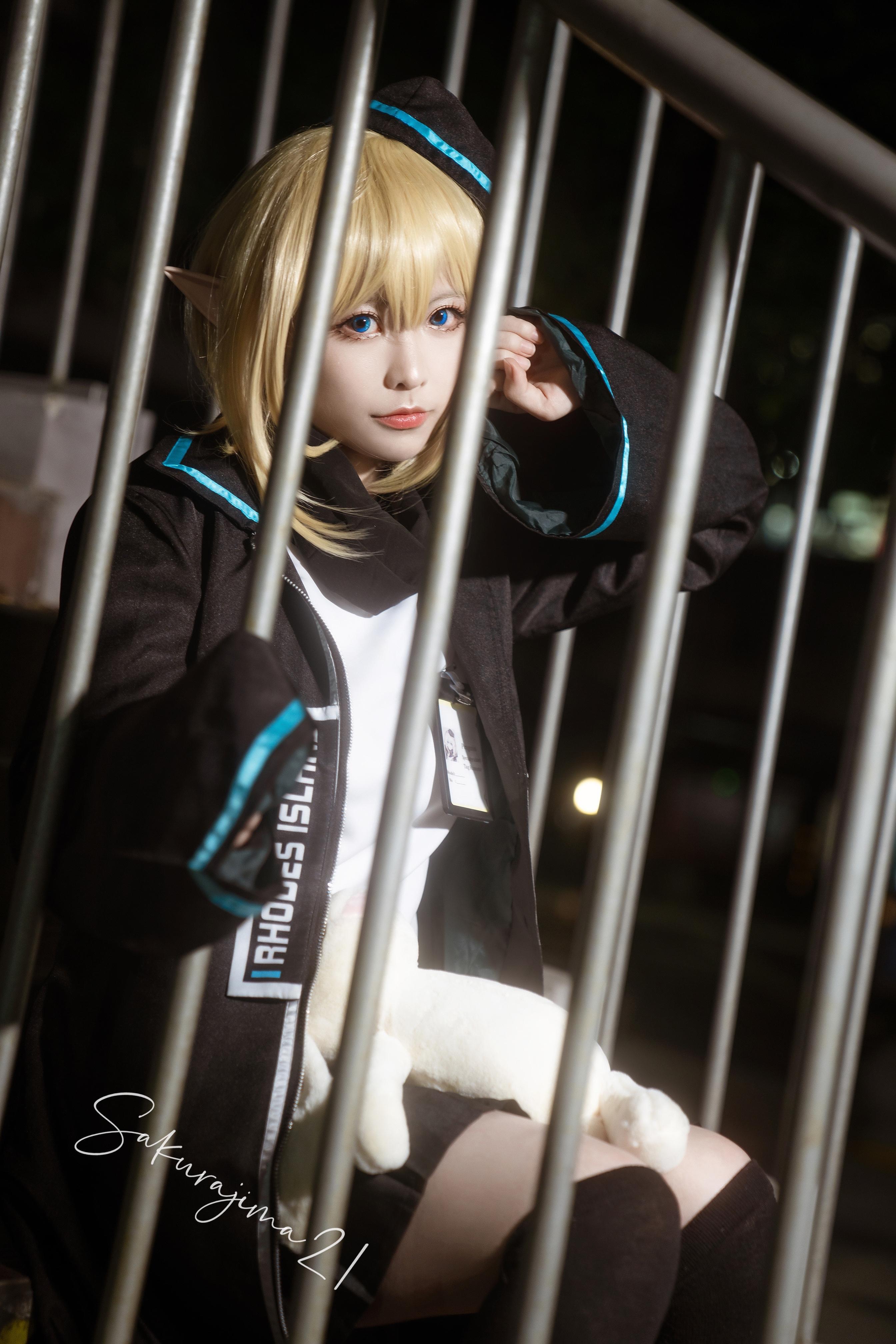 《明日方舟》正片cosplay【CN:樱岛嗷一】 -求这张cosplay图片的出处插图